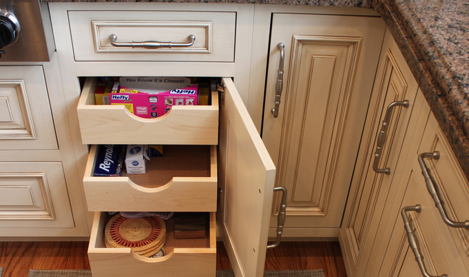 How to choose new kitchen cabinets and drawers ?