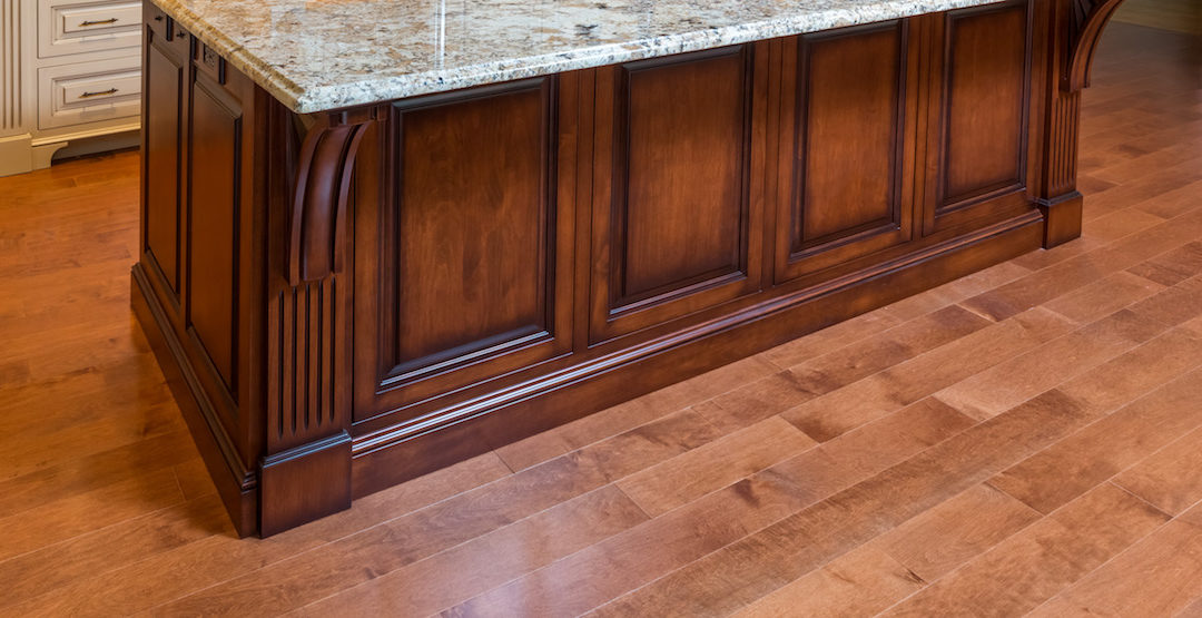 Choosing Kitchen Flooring:  Hardwood Versus Tile